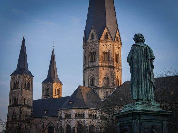 Beethoven-Denkmal auf dem Bonner Münsterplatz; Foto: Siefer